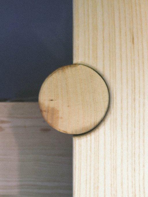 Leg detail Luka Stepan Design